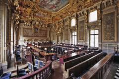 Nom à particule et excès de pouvoir: l\'arrêt de la Cour de Cassation ...