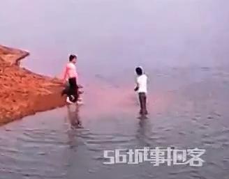 Graba como Mueren ahogados sus Sobrinos