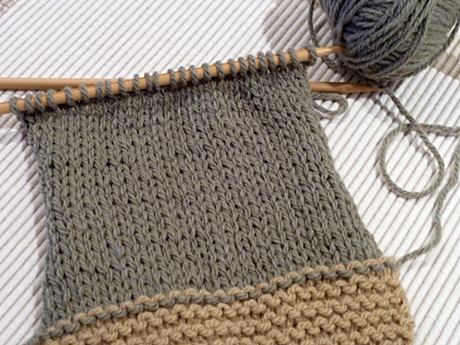 Knitting Yarn Over Purl Stitch : Knitting for beginners a stitching odyssey