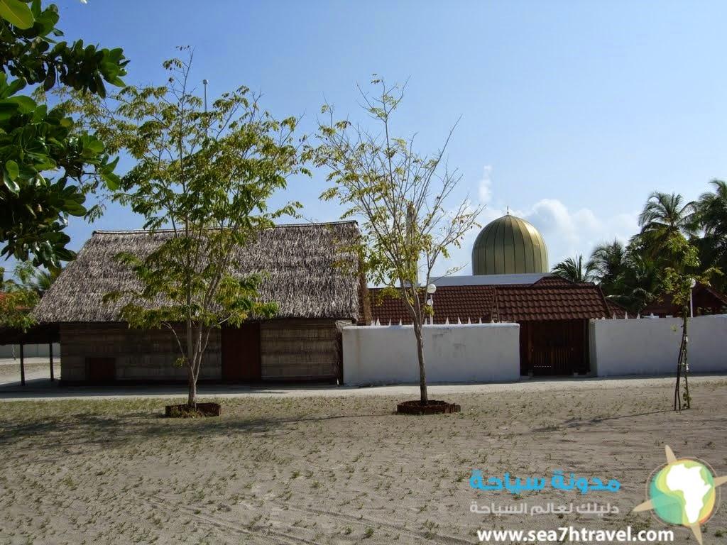 الجزيرة المأهولة Utheemu Ganduvaru