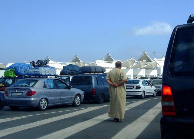 Kolejka w porcie Tanger Med po stronie Maroka