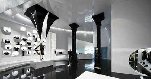 Capsula the Elegant Fashion Store Design