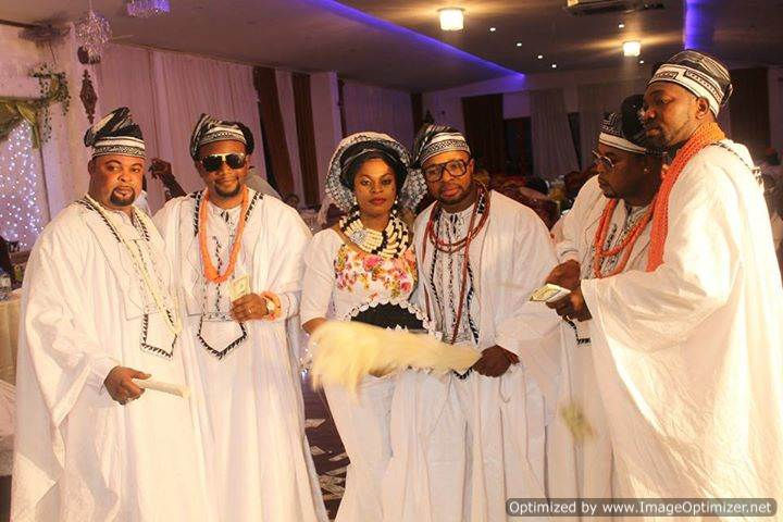 Uwadiae osawaru wedding dress