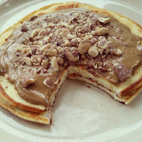 Sugar free like me low carb flourless quest protein pancakes melted sunflower nut butter on top and sprinkled with crushed cinnamon brown sugar almonds from blue diamond these almonds only have 4 net carbs per ccuart Images