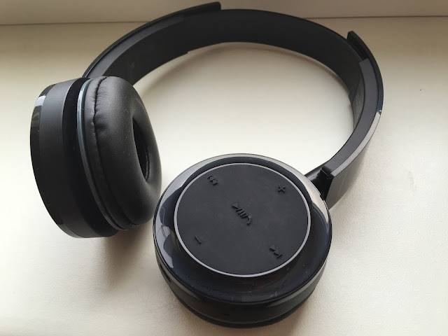 słuchawki z bluetoothem