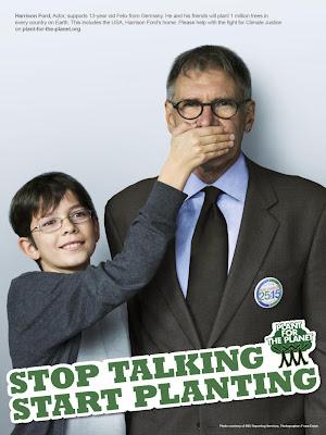 圖/芬克拜納與好萊塢影星哈里遜福特合拍「別說了,種樹吧!」海報。(引用自活動網站)