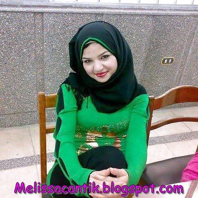 Cewek Jilbab Seksi Vs Jilbab Menyejukkan Hati