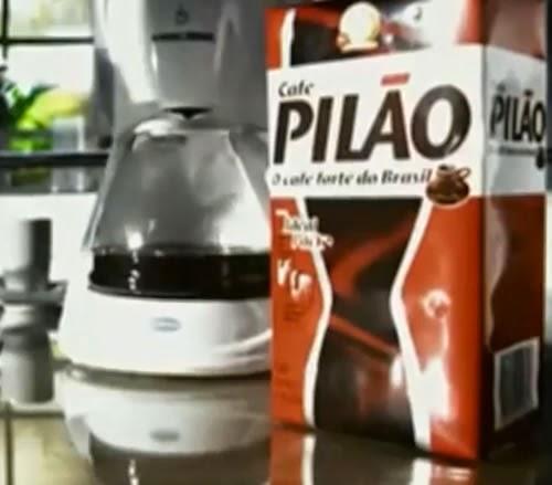Propaganda do Café Pilão em 2013, onde apresentam a força do café de uma forma criativa.