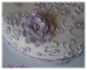 Torta con fiore