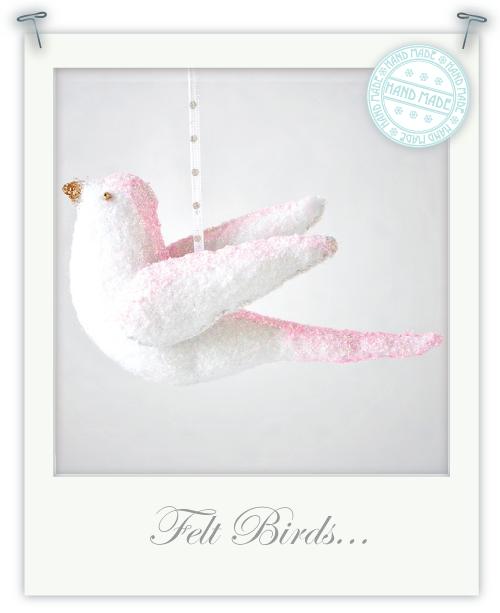 Feitas à mão aves sentiram para o Natal por Torie Jayne