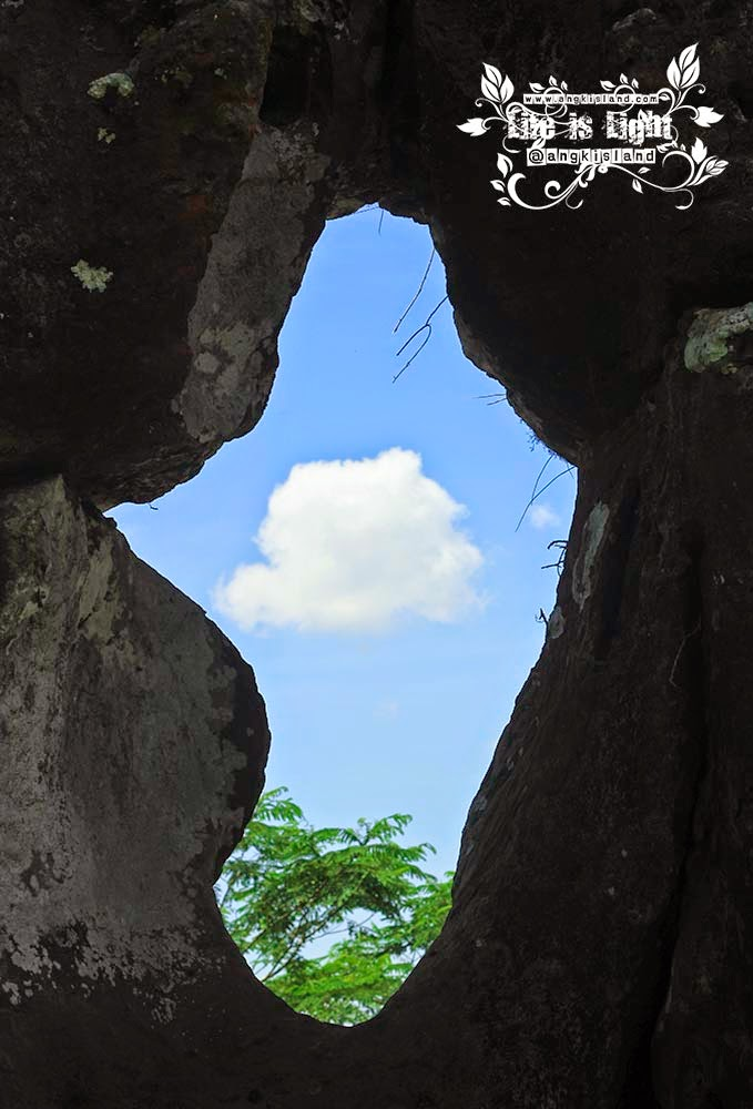 Lubang Watu Blencong