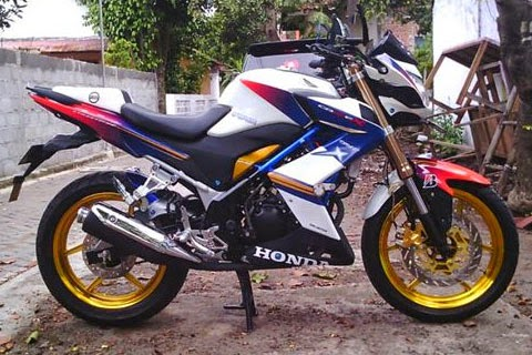 Cutting Sticker Modifikasi Motor CR150R