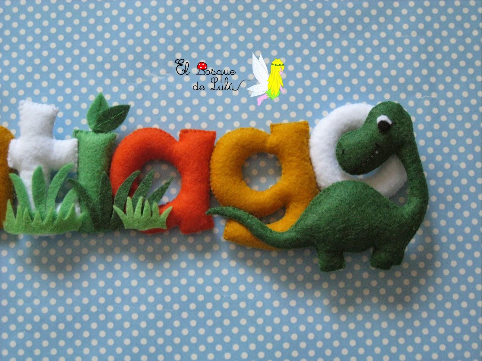 nombre-fieltro-decoración-ifantil-nacimiento-regalo-personalizado-dinosaurios