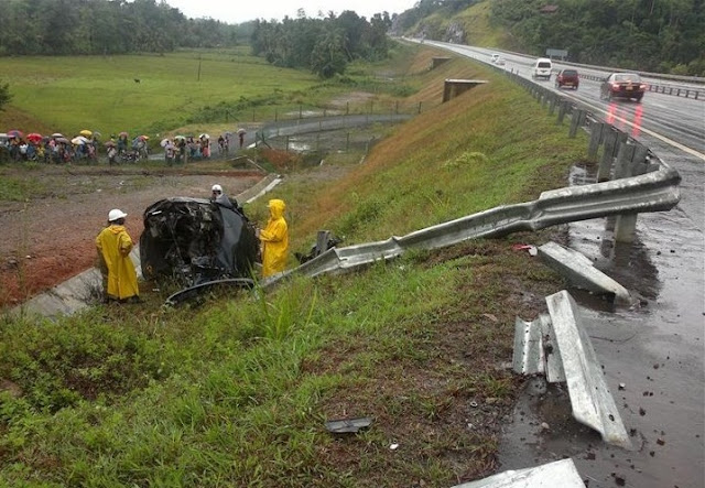 Southern highway car accident - දක්ෂිණ ...