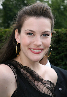 Liv Tyler dresses tips