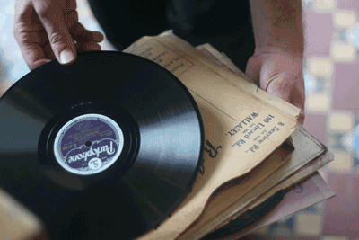 how to play shellac records