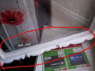 Поролоновый утеплитель на окне