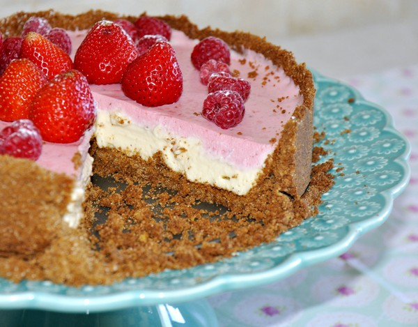 Raspery and strabery cream tart