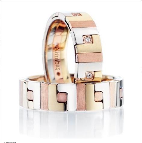 Alyans modelleri yeni evlenecek çiftlerin parmağında bir