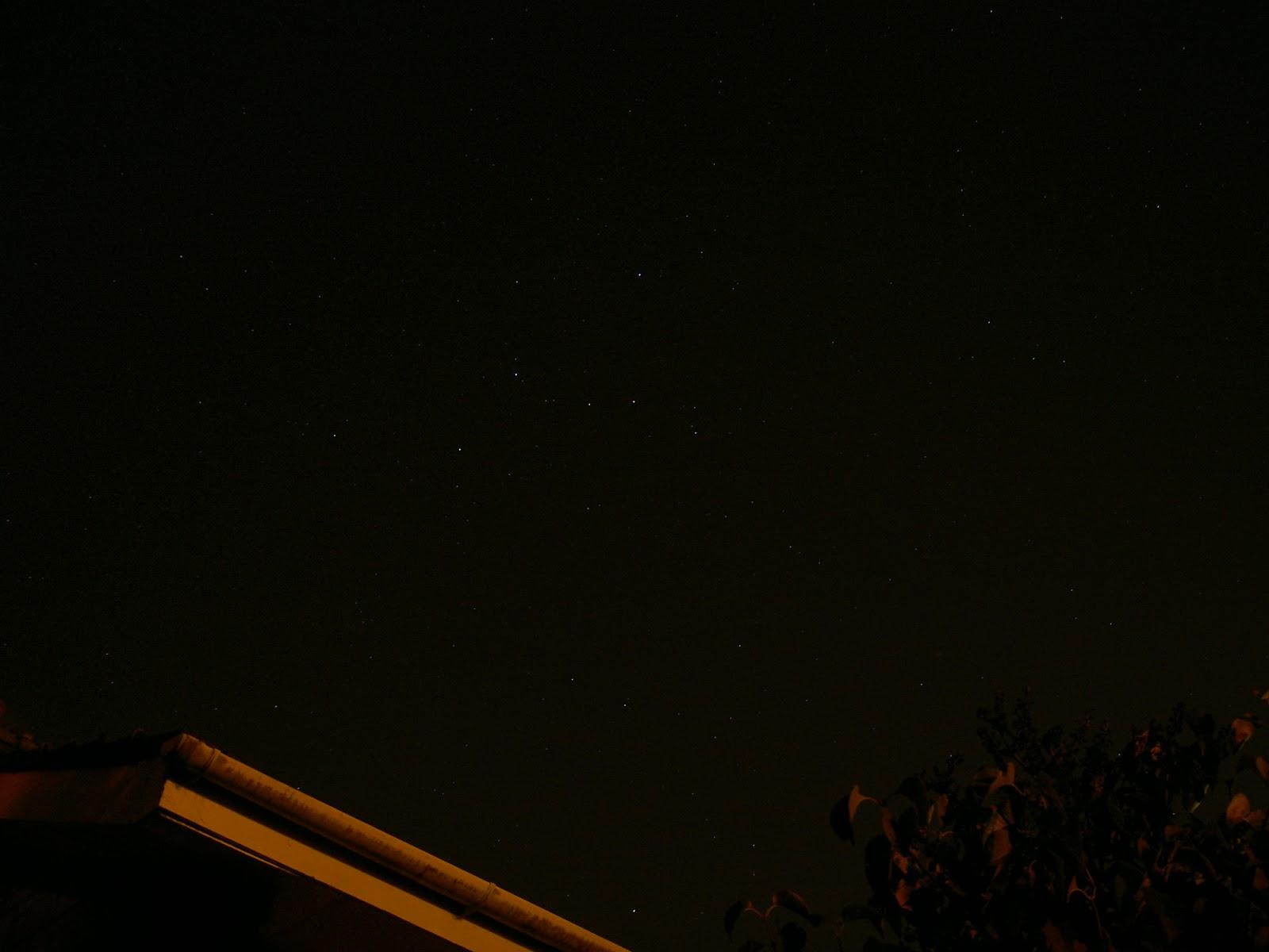Chòm sao Cassiopeia dễ dàng nhìn thấy bằng mắt thường. Hình ảnh chụp vào ngày 12/8/2006 ở Bearsden, Scotland, Vương quốc Anh. Tác giả : Bruce Cowan.