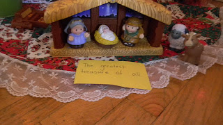 Christmas Treasure Hunt, photo, image, ready set read, ready-set-read.com