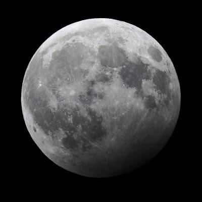 Penumbral måneformørking