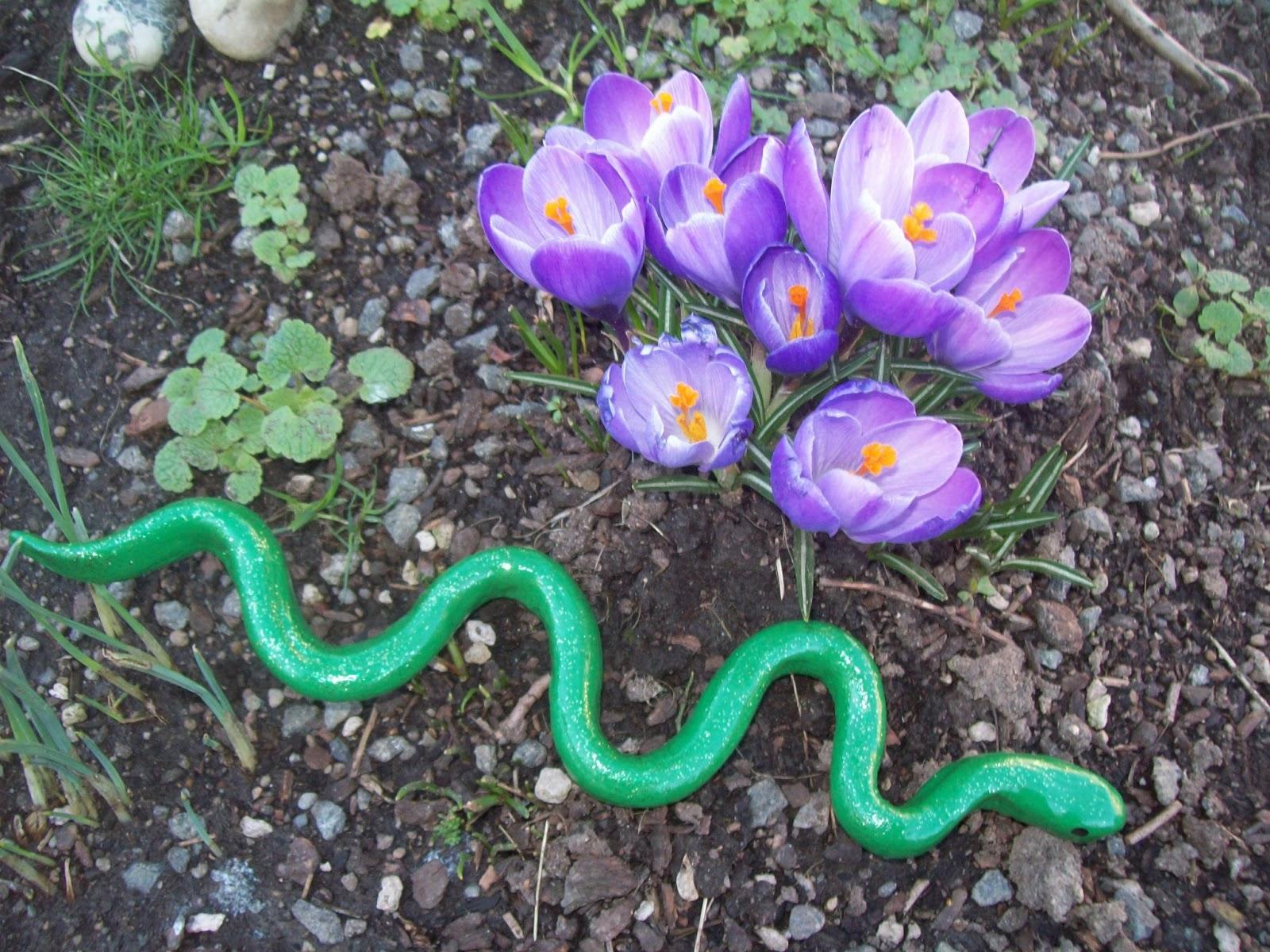 aprils homemaking  weeks  fairy tales  green snake
