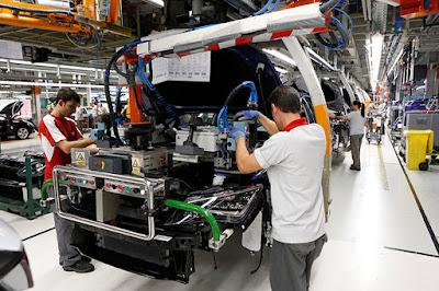 Η SEAT προσλαμβάνει 100 επιπλέον νέους εργαζόμενους στο Martorell