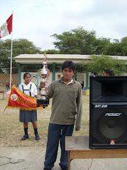 """Ex alumnos de la Institución Educativa """"El Tallán"""""""