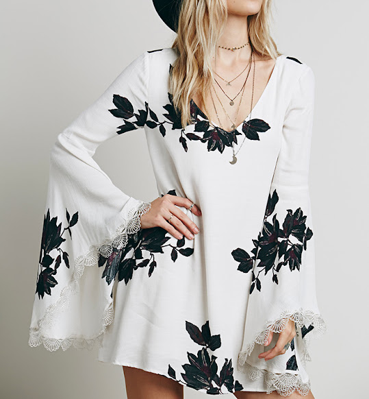 http://www.stylemoi.nu/angel-sleeve-floral-chiffon-cutout-dress.html?acc=380