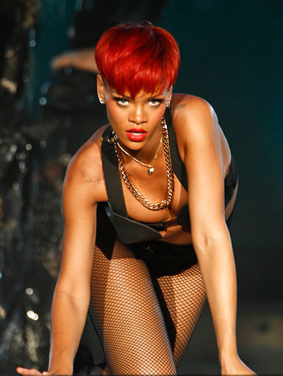 rihanna hairstyles 2010 red hair. 2010 eyonce red hair rihanna.