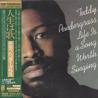 TEDDY PENDERGRASS - LIFE IS A SONG WORTH SINGING (Phil Int 1978) Jap mastering cardboard sleeve + 2 bonus