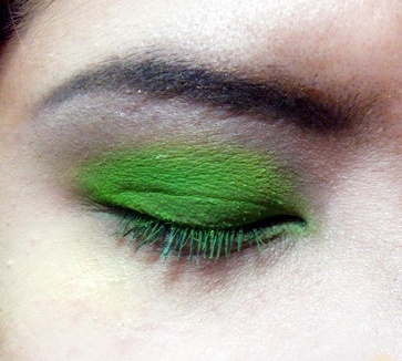 Tips for applying cream eyeshadow life