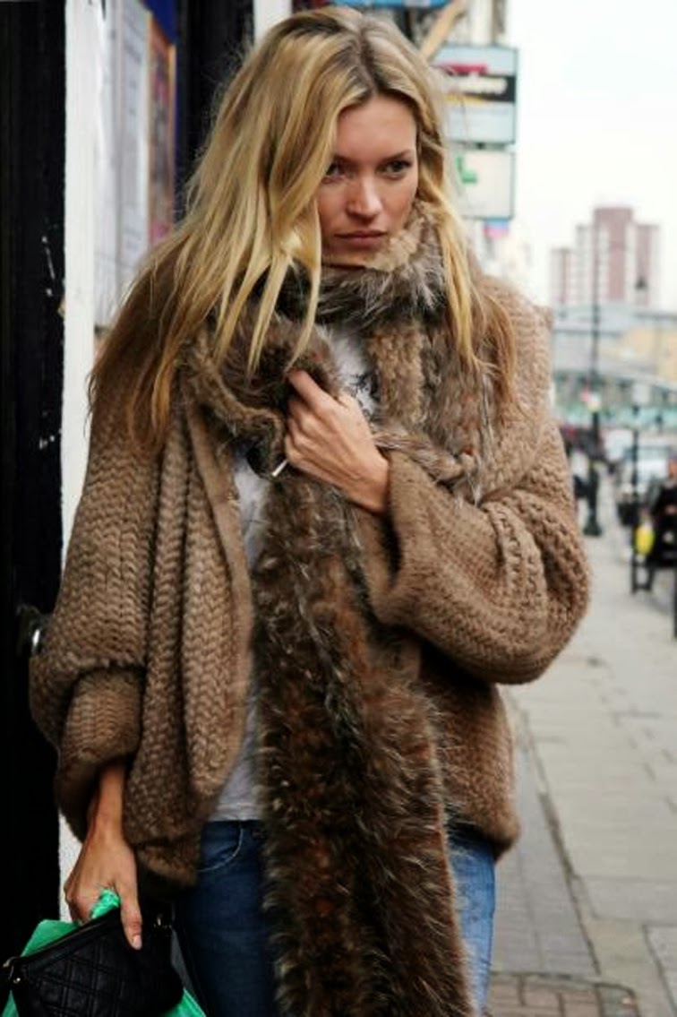 Kate Moss fur scarf