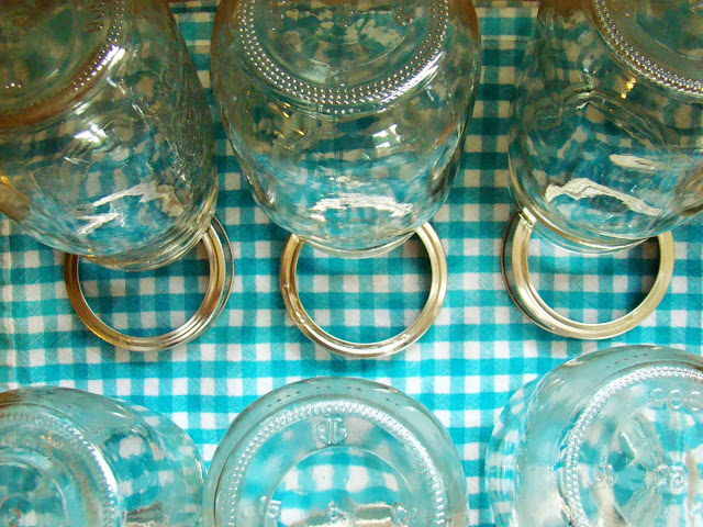 Family feedbag here 39 s why i don 39 t sterilize my canning jars for How long to sterilize canning jars
