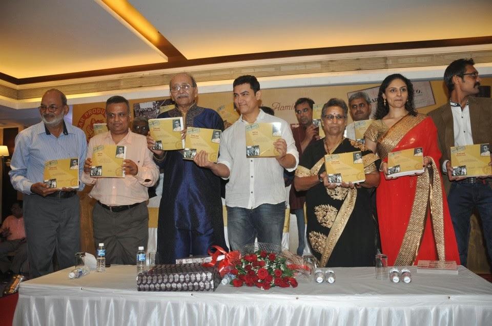 Anil Kapoor & Aamir Khan at the launch of a book 'Sagar Movie Tone' in Mumbai