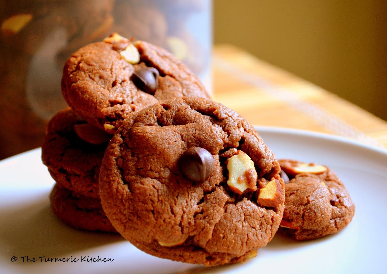... : The nutty-chocolaty high ~ Chocolate hazelnut & almond cookies