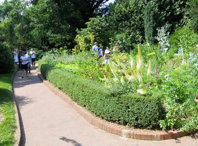 A Boat Against the Current: Photo of the Day: Shakespeare Garden in ...