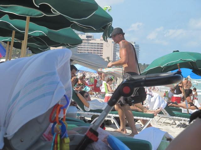 miami beach,photo,odd guy