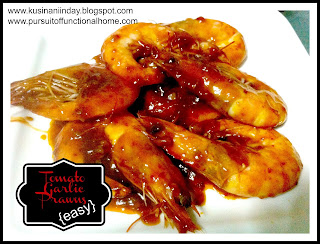 Tomato Garlic Prawn Recipe, Prawn serve on a white plate