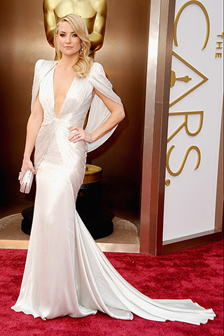 http://www.style.com/peopleparties/parties/slideshow/redcarpet-030214_oscars_2014/?iphoto=15