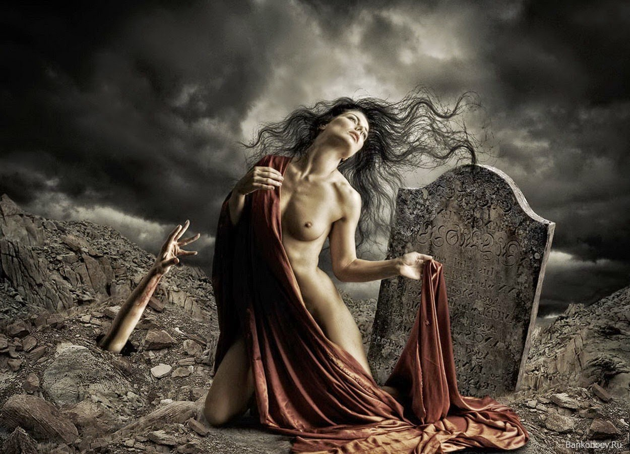Etaine's (once the Goddess of Etaine and now the Goddess of Shaiya) body vanished with her death, but her soul remained divided in half.