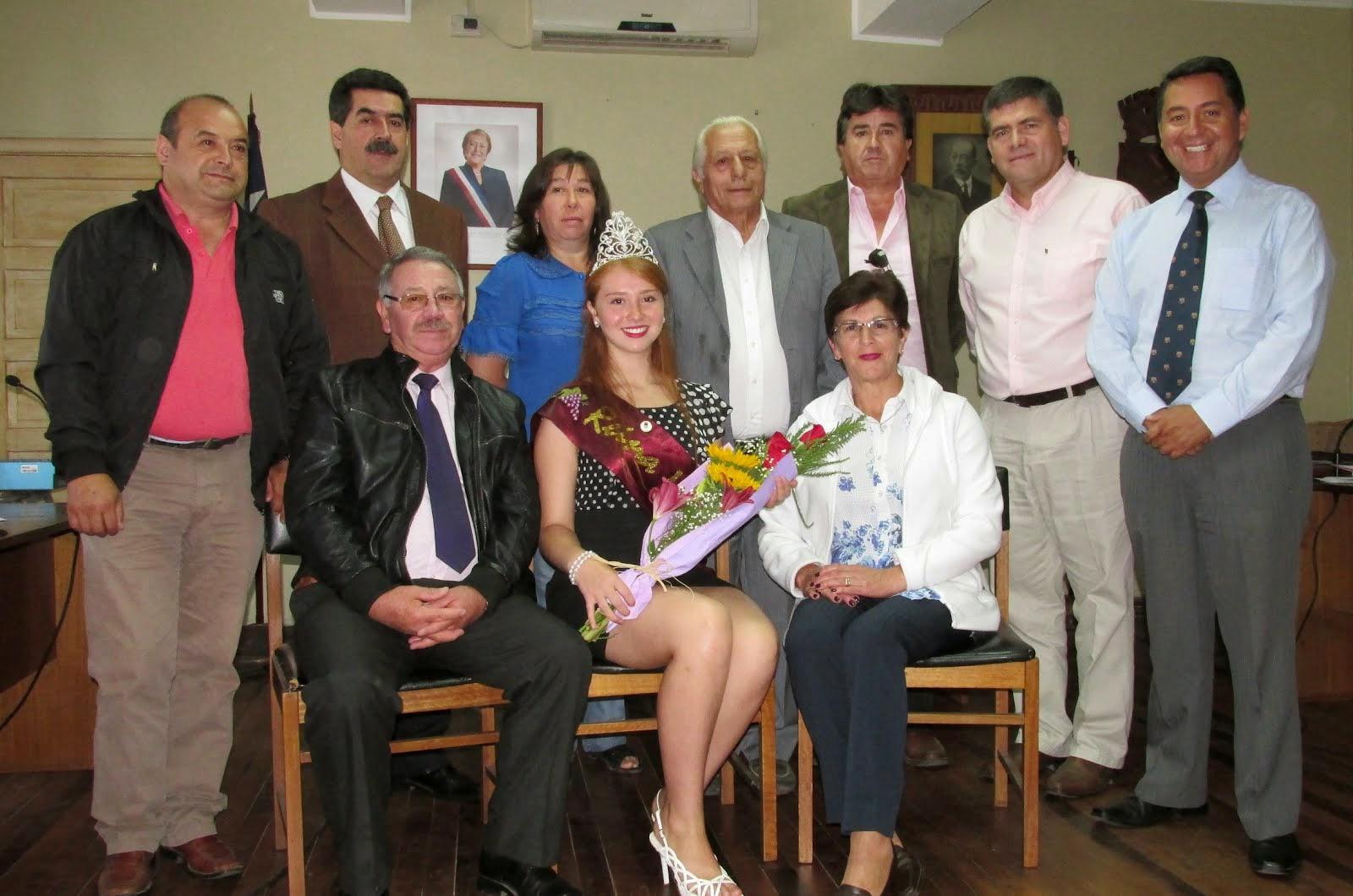 Reina de la Vendimia Chillán 2015, la sancarlina Daniela Saldías Muñoz visita el Concejo