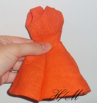 Маленькое оранжевое платье для барби