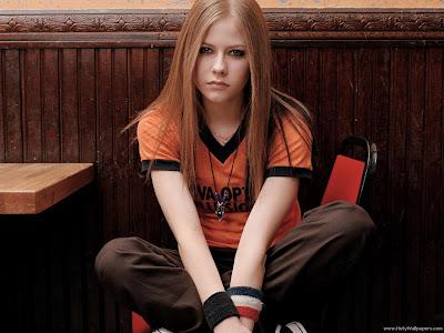 Avril Lavigne Hollywood Girl Wallpaper