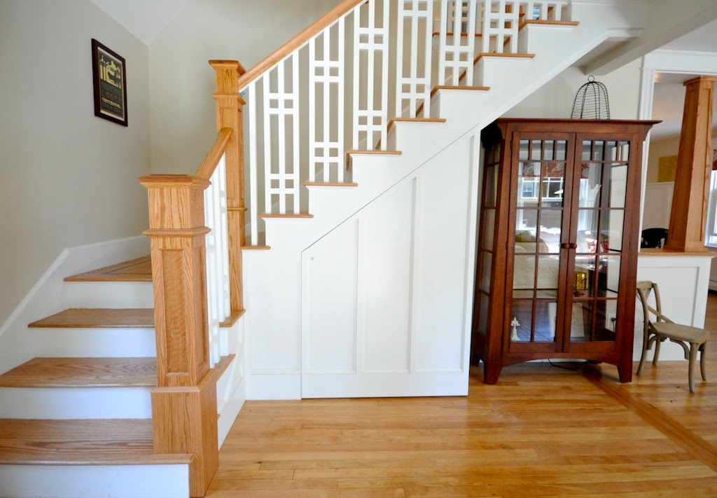 Sopo cottage before after the living room and dining room for Dining room under stairs