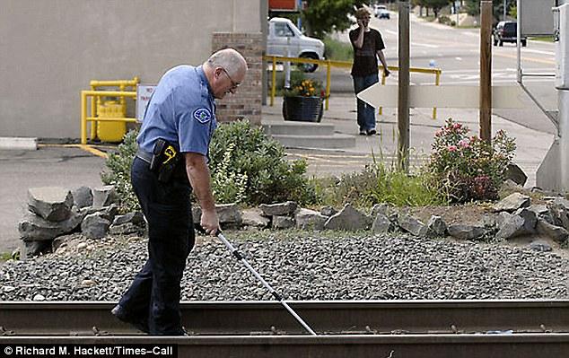 Pelajar kolej lompat atas keretapi untuk naik percuma, akibatnya hilang dua kaki