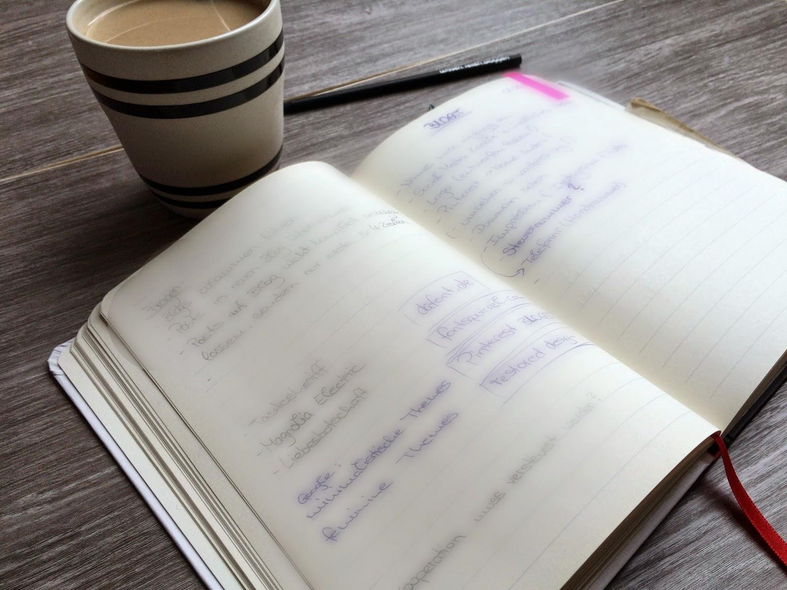 Kaffeetasse Notizbuch Bleistift