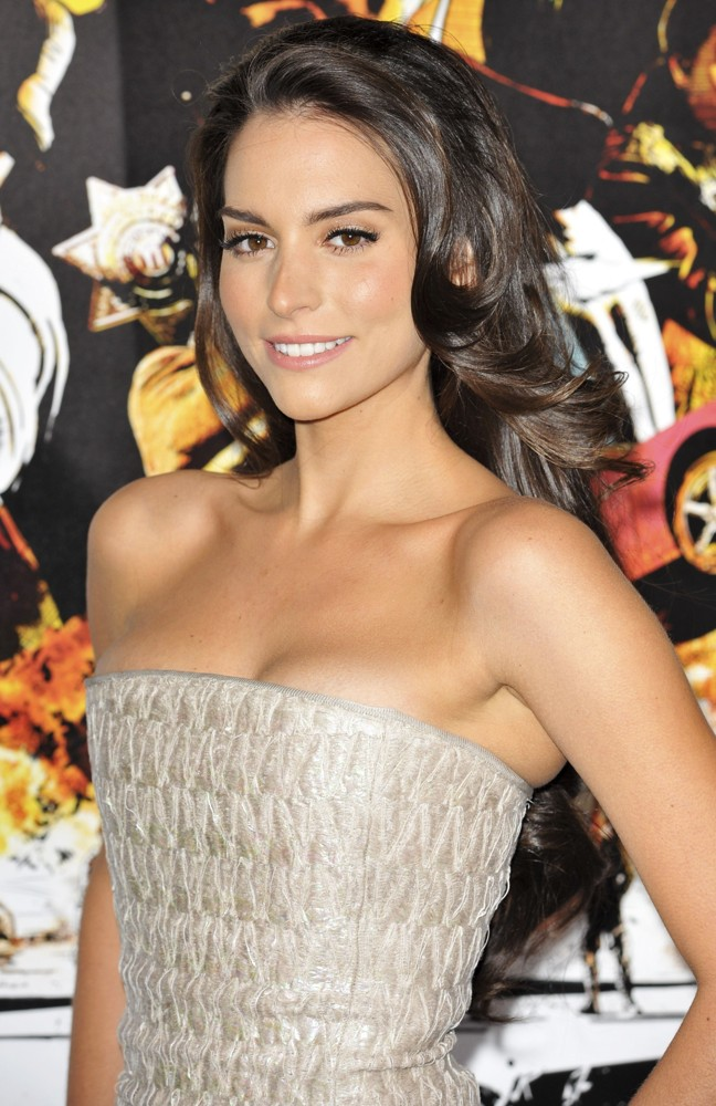 Here are our picks for The 25 Hottest Women in Telemundo Telenovelas .