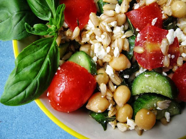 Cavena Nuda Salad